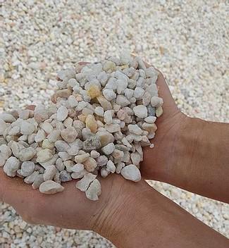 White quartzite gravel