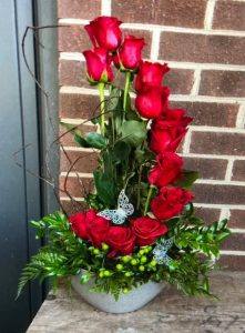 Vertical red rose display