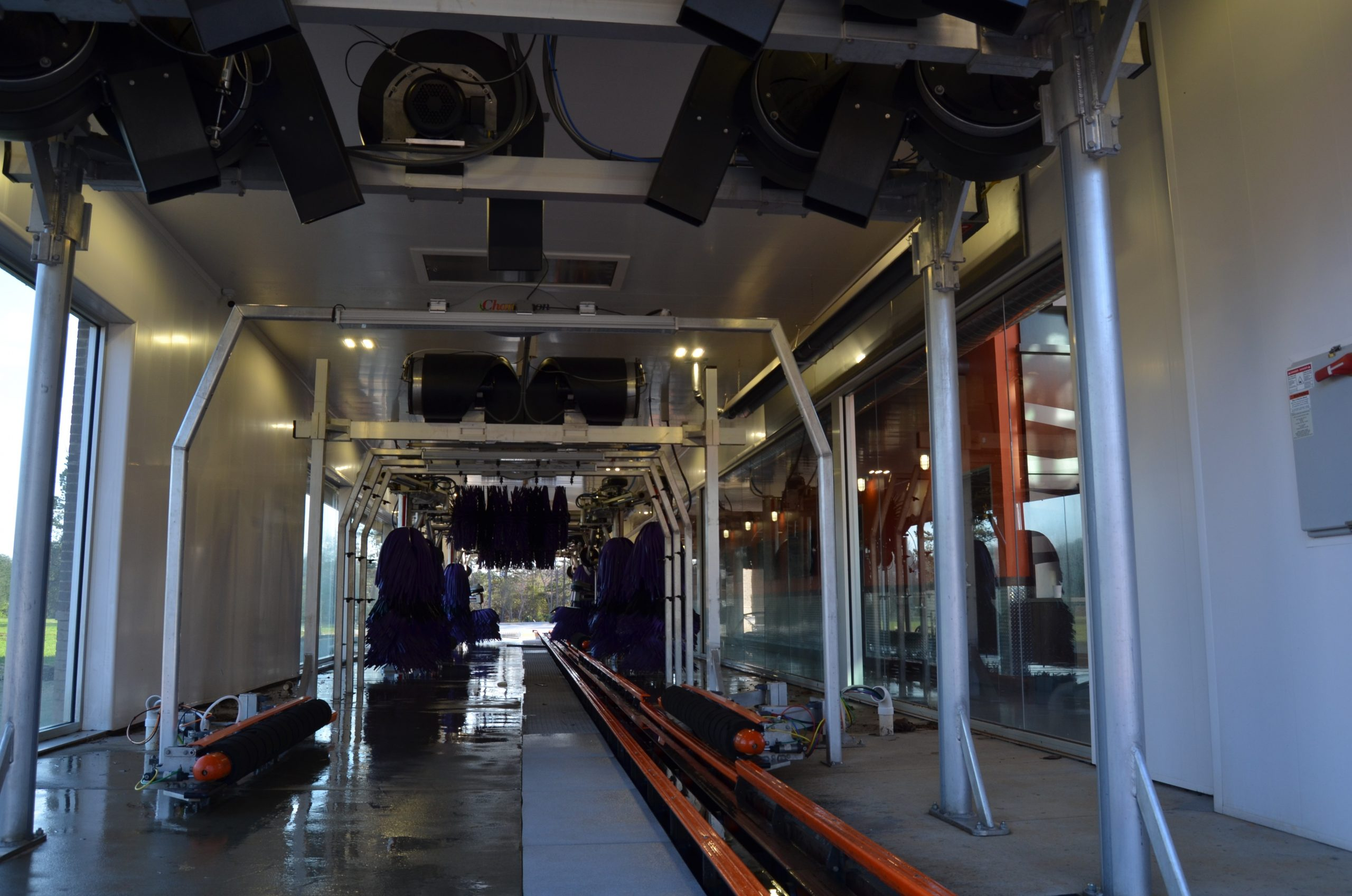 Inside the Sam's Xpress car wash (Photo by Dusty Wallace)